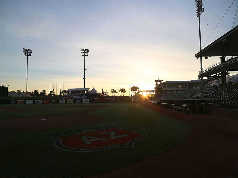 By Arturo Pardavila III - Own work, CC BY-SA 2.0, https://commons.wikimedia.org/wiki/File:The_sun_rises_over_Surprise_Stadium_(25713887715).jpg